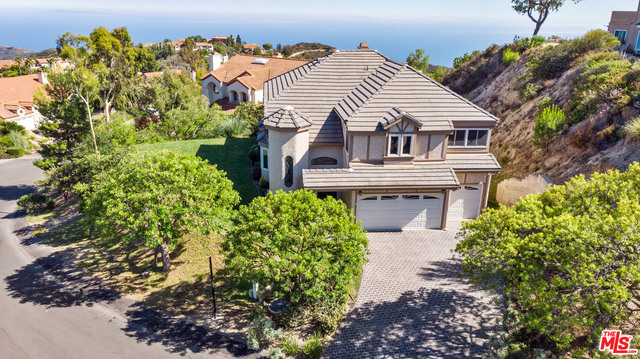 23472 Moon Shadows Dr, Malibu, California 90265, 4 Bedrooms Bedrooms, ,3 BathroomsBathrooms,Residential,For Sale,Moon Shadows,20-610090
