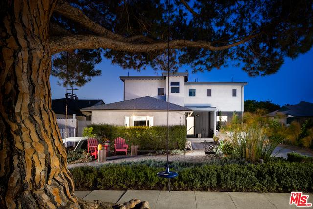 Photo of 12906 Warren Ave, Los Angeles, CA 90066
