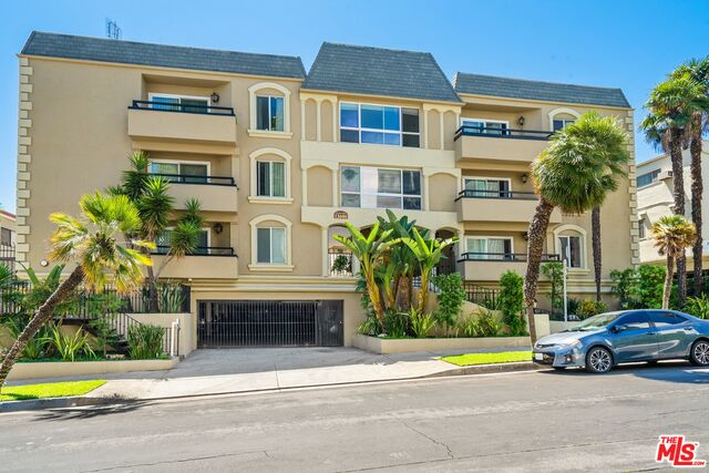 Photo of 11646 Chenault St #33, Los Angeles, CA 90049
