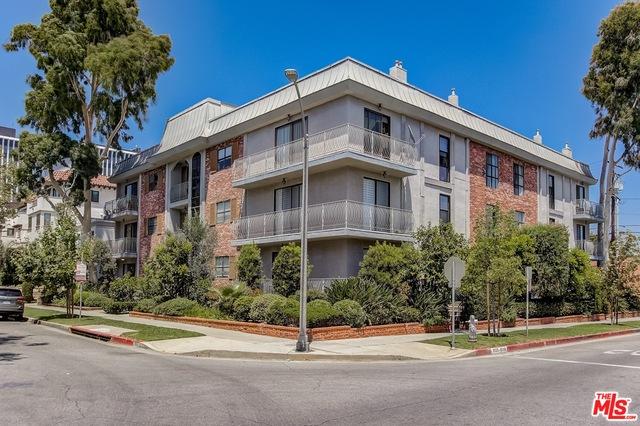 Photo of 152 S Oakhurst Dr #101, Beverly Hills, CA 90212