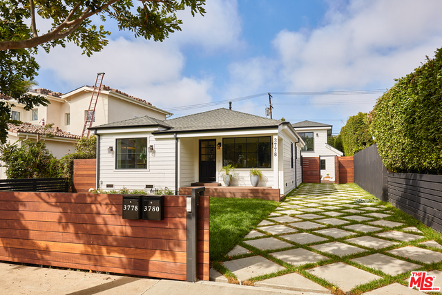 Photo of 3778 Colonial Ave, Los Angeles, CA 90066