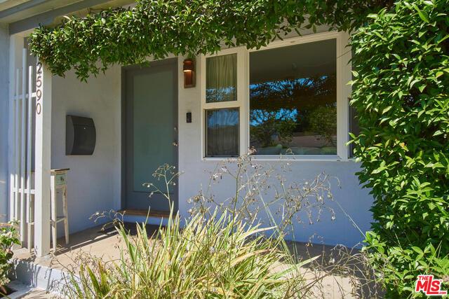 Photo of 2590 Wellesley Ave, Los Angeles, CA 90064