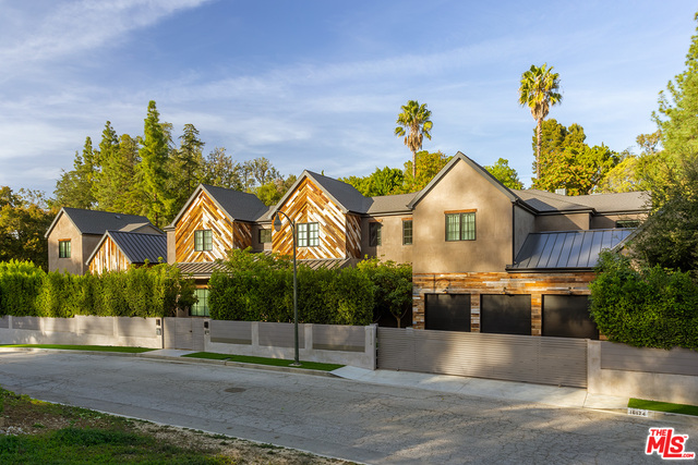 Photo of 16174 Woodvale Rd, Encino, CA 91436