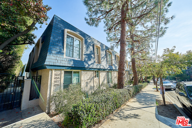 Photo of 964 Larrabee St #108, West Hollywood, CA 90069