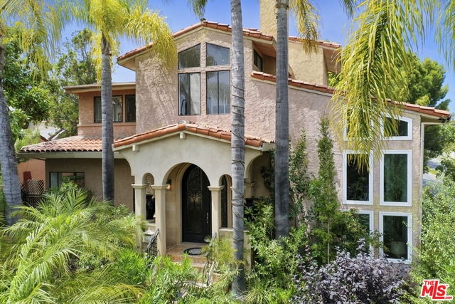 Photo of 2223 Marine St, Santa Monica, CA 90405