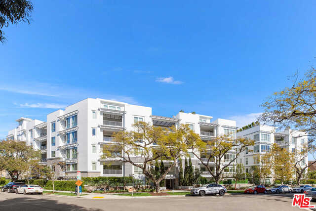 Photo of 460 N Palm Dr #405, Beverly Hills, CA 90210
