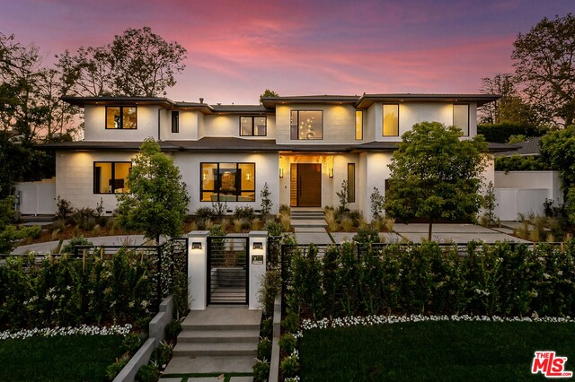 Photo of 13817 W Sunset Blvd, Pacific Palisades, CA 90272
