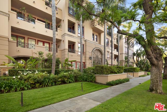 Photo of 411 N Oakhurst Dr #101, Beverly Hills, CA 90210