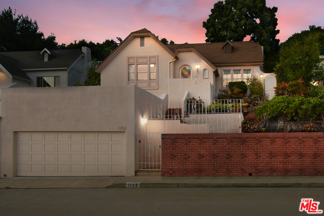 Photo of 1152 Daniels Dr, Los Angeles, CA 90035