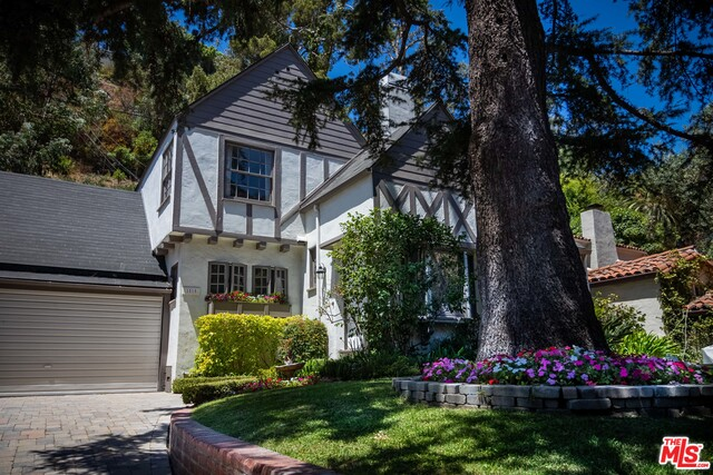 Photo of 1515 N Beverly Dr, Beverly Hills, CA 90210