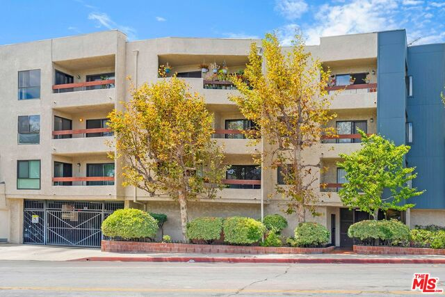 Photo of 1037 N Vista St #302, West Hollywood, CA 90046