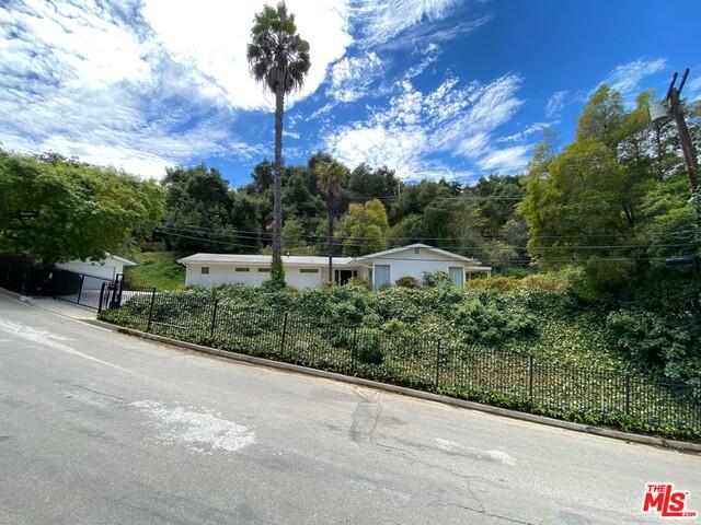 Photo of 9748 Oak Pass Rd, Beverly Hills, CA 90210