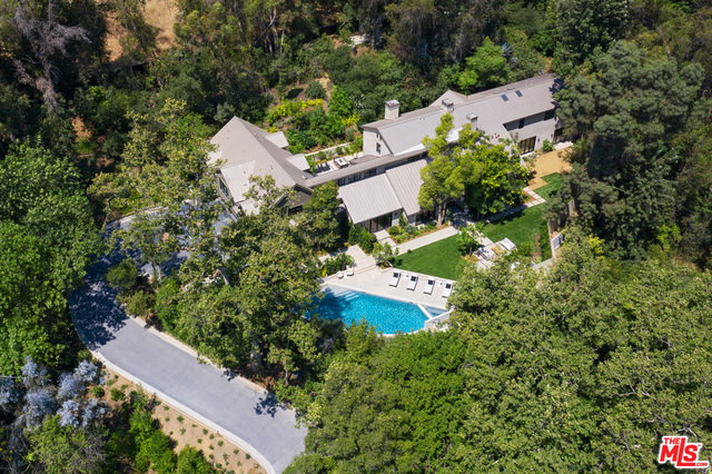 Photo of 2627 Benedict Canyon Dr, Beverly Hills, CA 90210