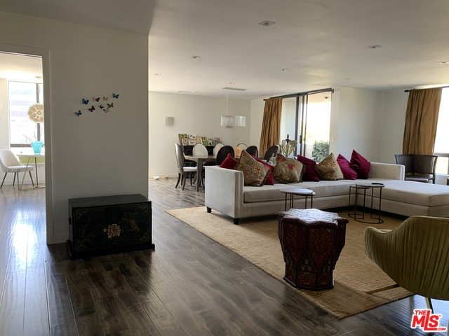 Photo of 150 N ALMONT DR #402, BEVERLY HILLS, CA 90211