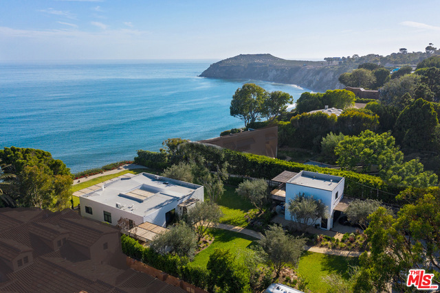 28926 Cliffside Dr, Malibu, California 90265, 4 Bedrooms Bedrooms, ,5 BathroomsBathrooms,Residential,For Sale,Cliffside,20-619858
