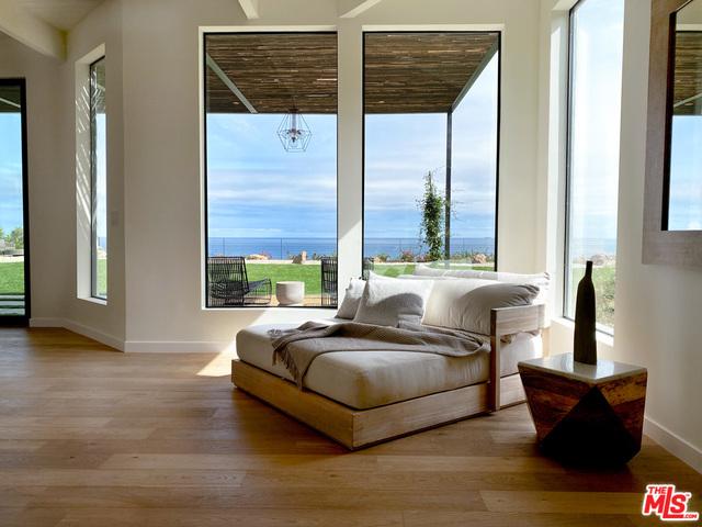 28926 Cliffside Dr, Malibu, California 90265, 4 Bedrooms Bedrooms, ,5 BathroomsBathrooms,Residential,For Sale,Cliffside,20-619858