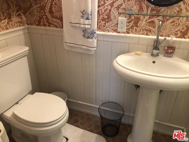 25338 Malibu Rd, Malibu, California 90265, 2 Bedrooms Bedrooms, ,2 BathroomsBathrooms,Residential Lease,For Sale,Malibu,20-620100