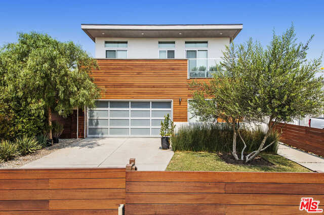 Photo of 12523 Gilmore Ave, Los Angeles, CA 90066
