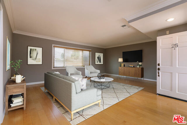 Photo of 11646 Chenault St #25, Los Angeles, CA 90049