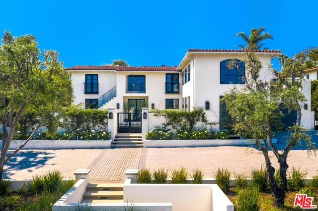 Photo of 13715 Sunset Blvd, Pacific Palisades, CA 90272