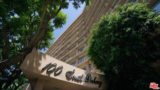 Photo of 100 S Doheny Dr #802, Los Angeles, CA 90048