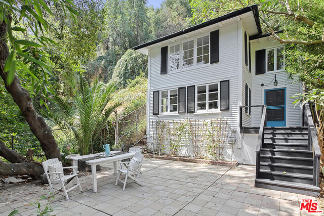 Photo of 2077 N Beverly Glen Blvd, Los Angeles, CA 90077