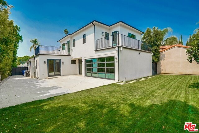Photo of 430 N Highland Ave, Los Angeles, CA 90036