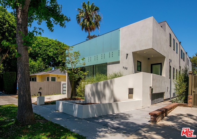 Photo of 732 Huntley DR #1A, WEST HOLLYWOOD, CA 90069