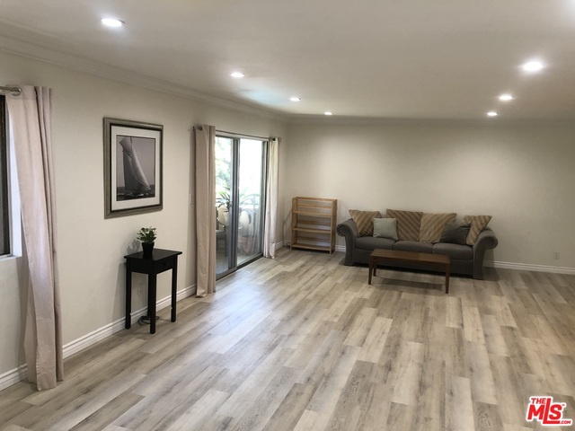 Photo of 6708 Hillpark Dr, Los Angeles, CA 90068