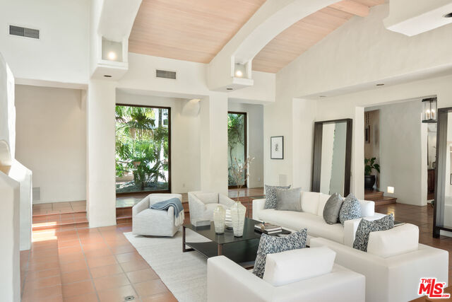 3201 Retreat Ct, Malibu, California 90265, 11 Bedrooms Bedrooms, ,13 BathroomsBathrooms,Residential,For Sale,Retreat,20-626810