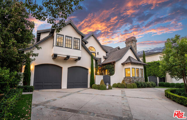 Photo of 820 Toyopa Dr, Pacific Palisades, CA 90272