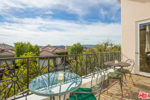 16649 Calle Haleigh, Pacific Palisades, California 90272, 4 Bedrooms Bedrooms, ,5 BathroomsBathrooms,Residential,For Sale,Calle Haleigh,20-628098