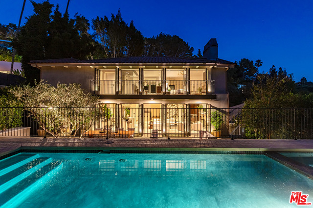Photo of 1549 N Doheny Dr, Los Angeles, CA 90069