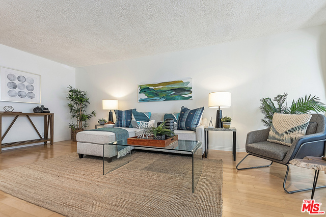 Photo of 117 S Doheny Dr #404, Los Angeles, CA 90048