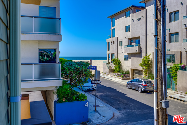Photo of 16 Quarterdeck St #101, MARINA DEL REY, CA 90292