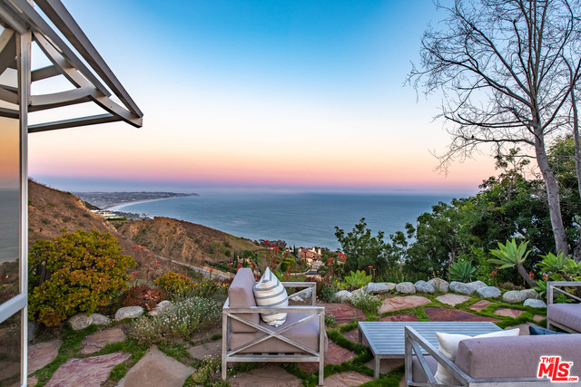 4284 Avenida De La Encinal, Malibu, California 90265, 2 Bedrooms Bedrooms, ,2 BathroomsBathrooms,Residential,For Sale,Avenida De La Encinal,20-629762