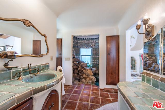 4284 Avenida De La Encinal, Malibu, California 90265, 2 Bedrooms Bedrooms, ,2 BathroomsBathrooms,Residential,For Sale,Avenida De La Encinal,20-629762