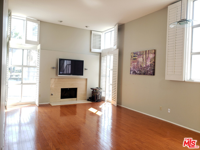 Photo of 850 S Shenandoah St #305, Los Angeles, CA 90035