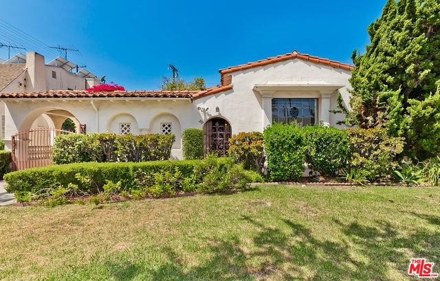 Photo of 357 S Crescent Dr, Beverly Hills, CA 90212