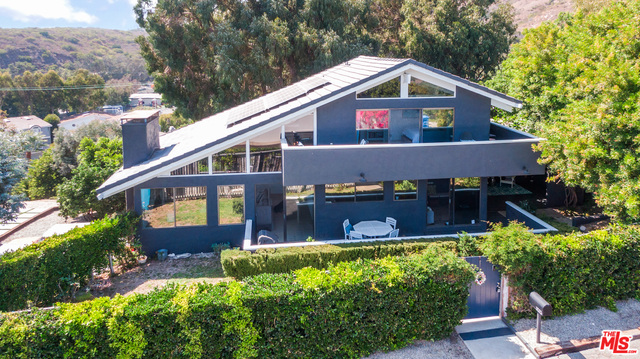 3525 Coast View Dr, Malibu, California 90265, 3 Bedrooms Bedrooms, ,4 BathroomsBathrooms,Residential,For Sale,Coast View,20-630654