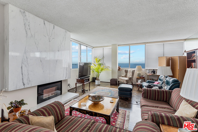 Photo of 17352 W Sunset Blvd #702, Pacific Palisades, CA 90272