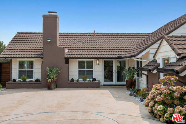 Photo of 231 Bellino Dr, Pacific Palisades, CA 90272