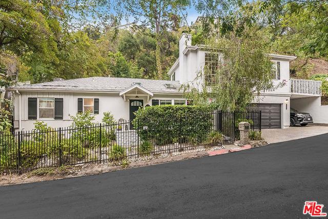 Photo of 8524 Appian Way, Los Angeles, CA 90046