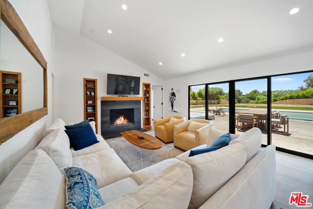 28914 Bison Ct, Malibu, California 90265, 3 Bedrooms Bedrooms, ,2 BathroomsBathrooms,Residential,For Sale,Bison,20-633150