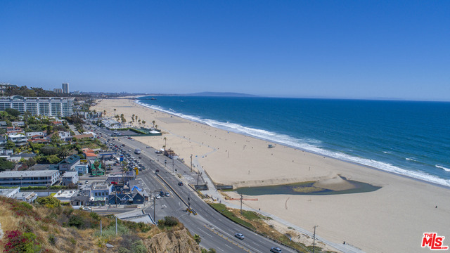 14930 Corona Del Mar, Pacific Palisades, California 90272, 8 Bedrooms Bedrooms, ,14 BathroomsBathrooms,Residential,For Sale,Corona Del Mar,20-633262