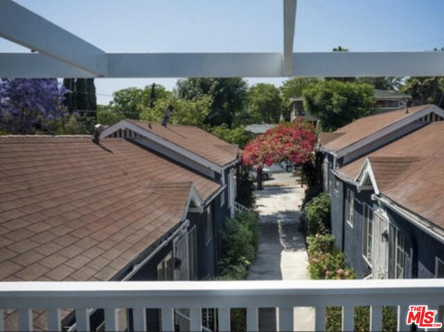 Photo of 654 N Dillon St, Los Angeles, CA 90026