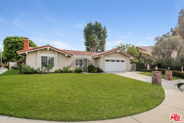 Photo of 10502 Woodfield Ct, Los Angeles, CA 90077