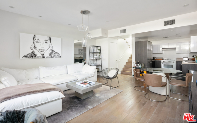 Photo of 944 N Stanley Ave #3, West Hollywood, CA 90046