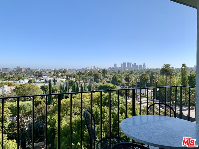 Photo of 818 N Doheny Dr #706, West Hollywood, CA 90069