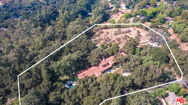 821 Camino Colibri, Calabasas, California 91302, 5 Bedrooms Bedrooms, ,5 BathroomsBathrooms,Residential,For Sale,Camino Colibri,20-635648